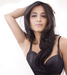 Telugu actress Anushka Shetty hot photoshoot (5)